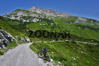 Fahrradtour zum Formarinsee und Rote Wand im Lechquellengebirge, Vorarlberg, Österreich