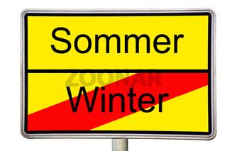 Straßenschild Sommer Winter