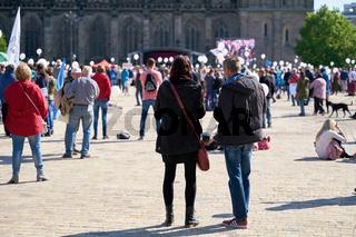 Protestveranstaltung auf dem Domplatz in Magdeburg