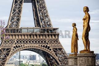 femmes parisiennes