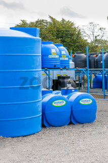 Panama David, storage of plastic tanks of various formats