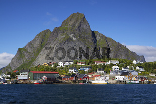 Fishing port in Reine