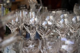 Arrangement of many glasses