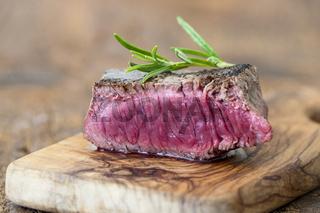Steakscheibe auf Holz