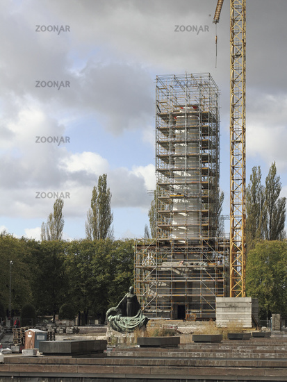 Restoration of the Soviet War Memorial Schoenholz