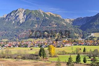 Oberstdorf, dahinter Rubihorn und Geißalphorn, Oberallgäu, Bayern, Deutschland, Europa