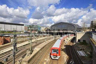 S-Bahn am Hauptbahnhof Hamburg