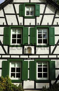 Fachwerkhaus mit der Jahreszahl 1895 in Hausen bei Heimbach
