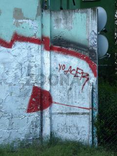 Bemaltes Fragment der Berliner Mauer in Pankow, historische Aufnahme 2009