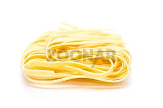 Gelbe Tagliatelle Pasta