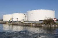 Varo Energy tank depot, datteln-Hamm, Canal, Ruhr area, North Rhine-Westphalia