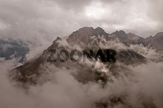 Panorama vom Fellhorn, 2038m, nach Süden bei schlechtem Wetter, Allgäuer Alpen, Bayern, Deutschland, Europa