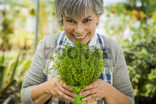 Choosing fresh herbs