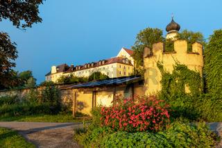Kloster Bernried am Starnberger See im Morgenlicht