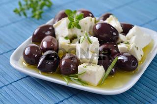 Oliven mit Feta