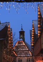 timber-frame houses with the old town hall, Oehrin