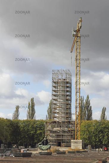 Restoration of the Soviet War Memorial Schoenholz
