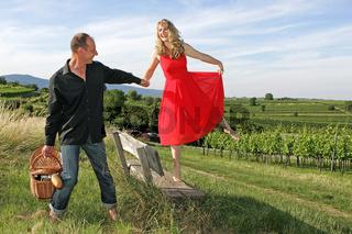 im roten Kleid