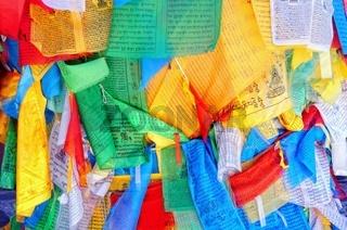 Bedruckte Gebetsfahnen in Tibet