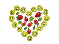 Heart shape of kiwi fruit slices arrangement