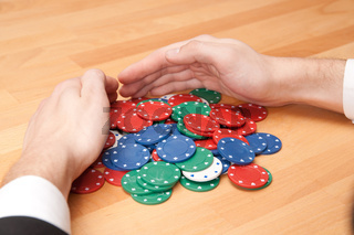 Hand und Pokerchips