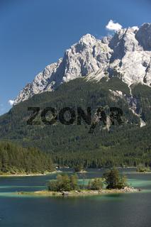 Eibsee an der Zugspitze in Bayern