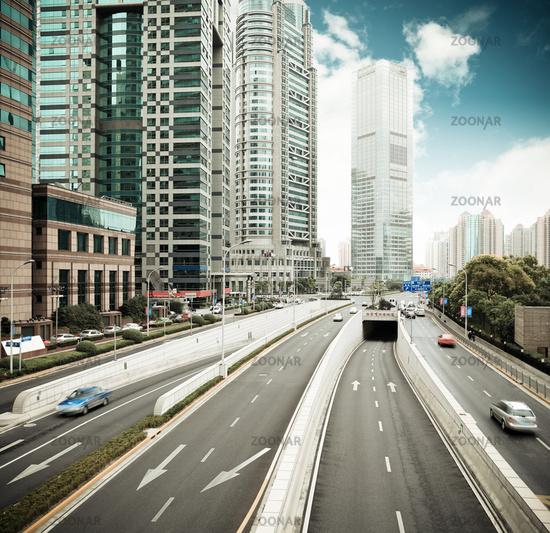 traffic in shanghai financial center district