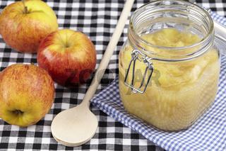 Apfelkompott kochen