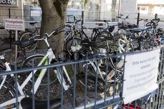 überfüllter Fahrradparkplatz