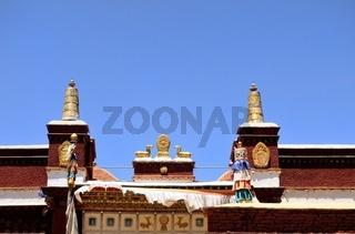 Rad des Lebens auf dem Dach des Kloster Sakya   Shigatse Tibet China