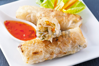 spring rolls with sweet sour souce