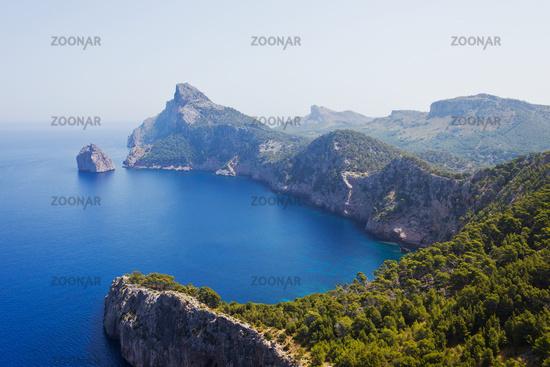 Steilküste mit Bucht
