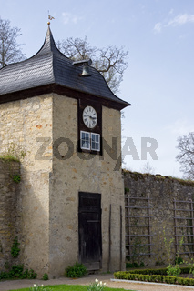 Turm und Aussenmauer des Klosters Dalheim, Deutschland