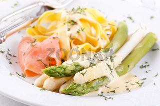 Asparagus with Pasta and smoked salmon