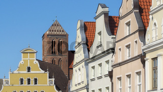 Wismar - Altstadt mit Nikolaikirche, Deutschland