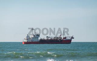 Hopper dredger ship