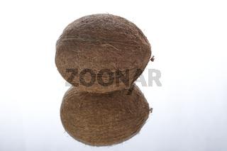 Kokosnuss und Spiegelbild