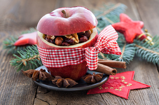 roter Apfel mit Schleife