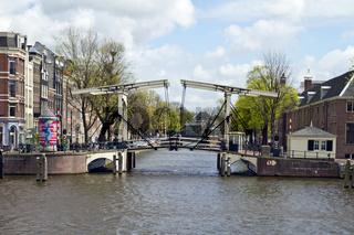 Klappbrücke in Amsterdam, Niederlande, Europa