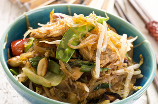 stir-fried noodles with vegetables