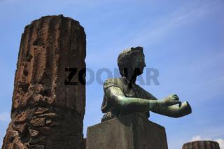 Statue der Diana im Apollotempel