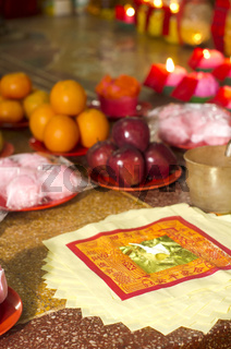 chinese taoism beliefs, fruits offering and joss paper