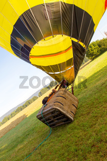 Starting hot-air balloon