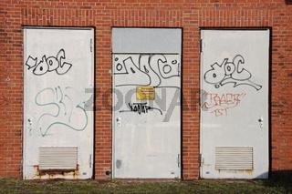 Drei Türen