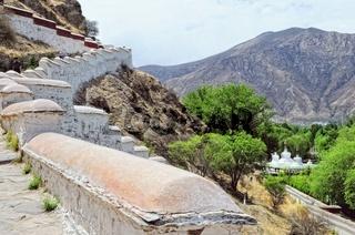 Potala Palast und Stupa Lhasa Tibet