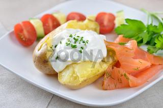 Heisse Ofenkartoffel mit Quark