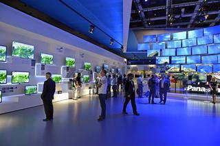 Flachbildschirme der Firma Panasonic auf der Internationalen Funkausstellung IFA 2012 in Berlin, Deutschland, Europa