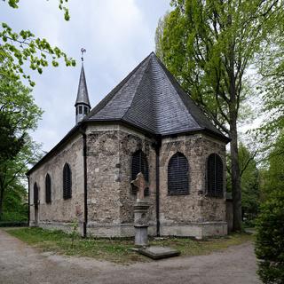 die Kirche St. Maria Magdalena und Lazarus aus dem Jahr 1245