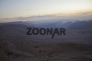 Sonnenuntergang in jordanischer Landschaft