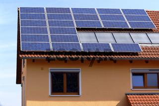 Dach mit Solarflächen